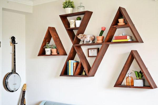 Triangular shelf DIY