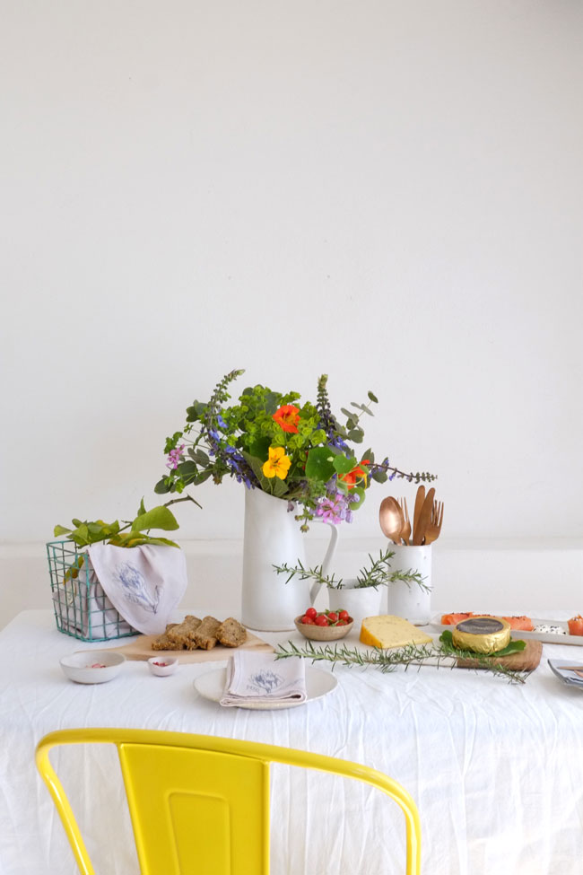 Country Style Table Setting Lanalou Style