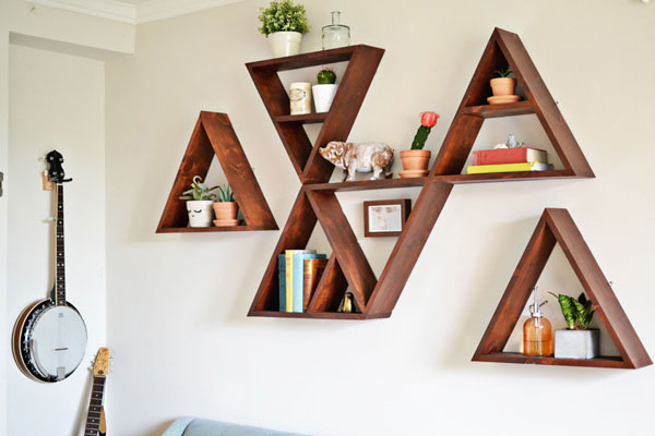 Triangular shelf DIY