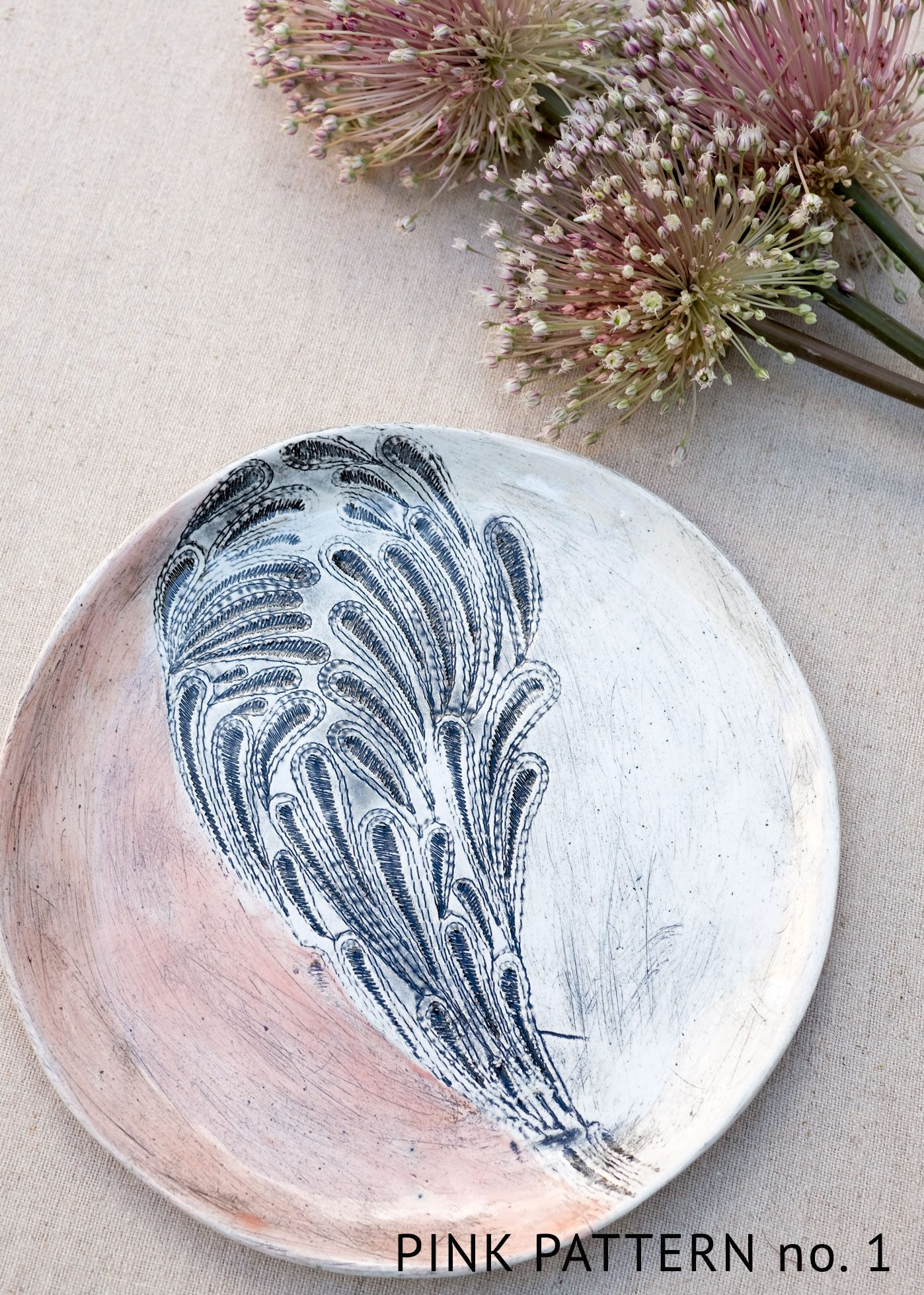 Patterned ceramic plate
